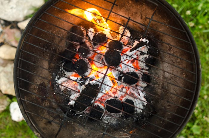 How-Long-Does-A-Charcoal-Grill-Stay-Hot-1