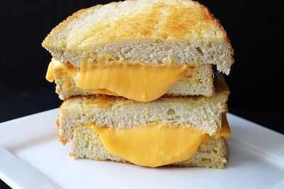 difference between Melt and Grilled Cheese